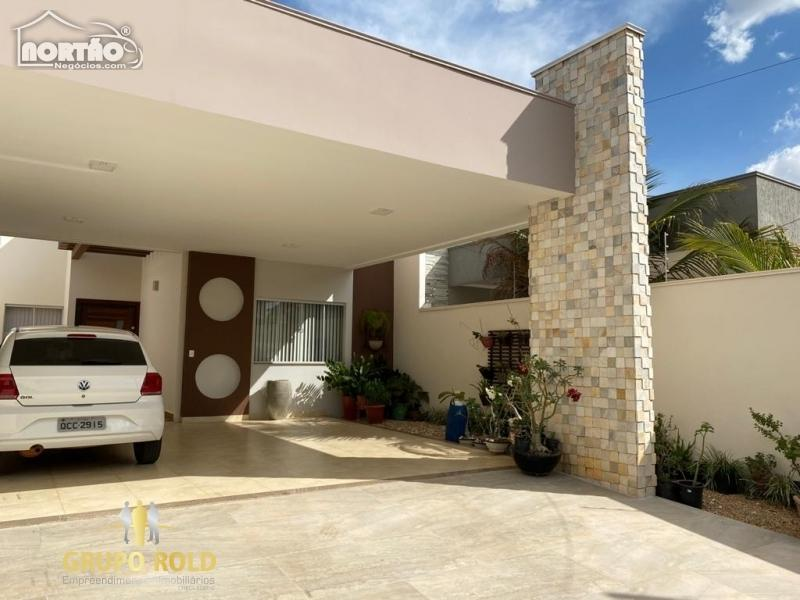 Casa a venda no JARDIM MARINGÁ em Sinop/MT
