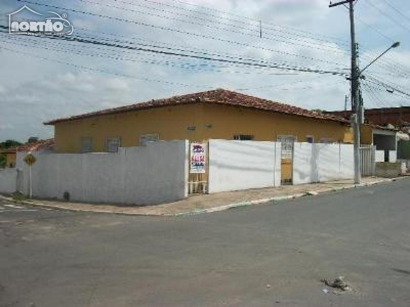 CASA A VENDA NO GOIABEIRAS EM CUIABÁ/MT